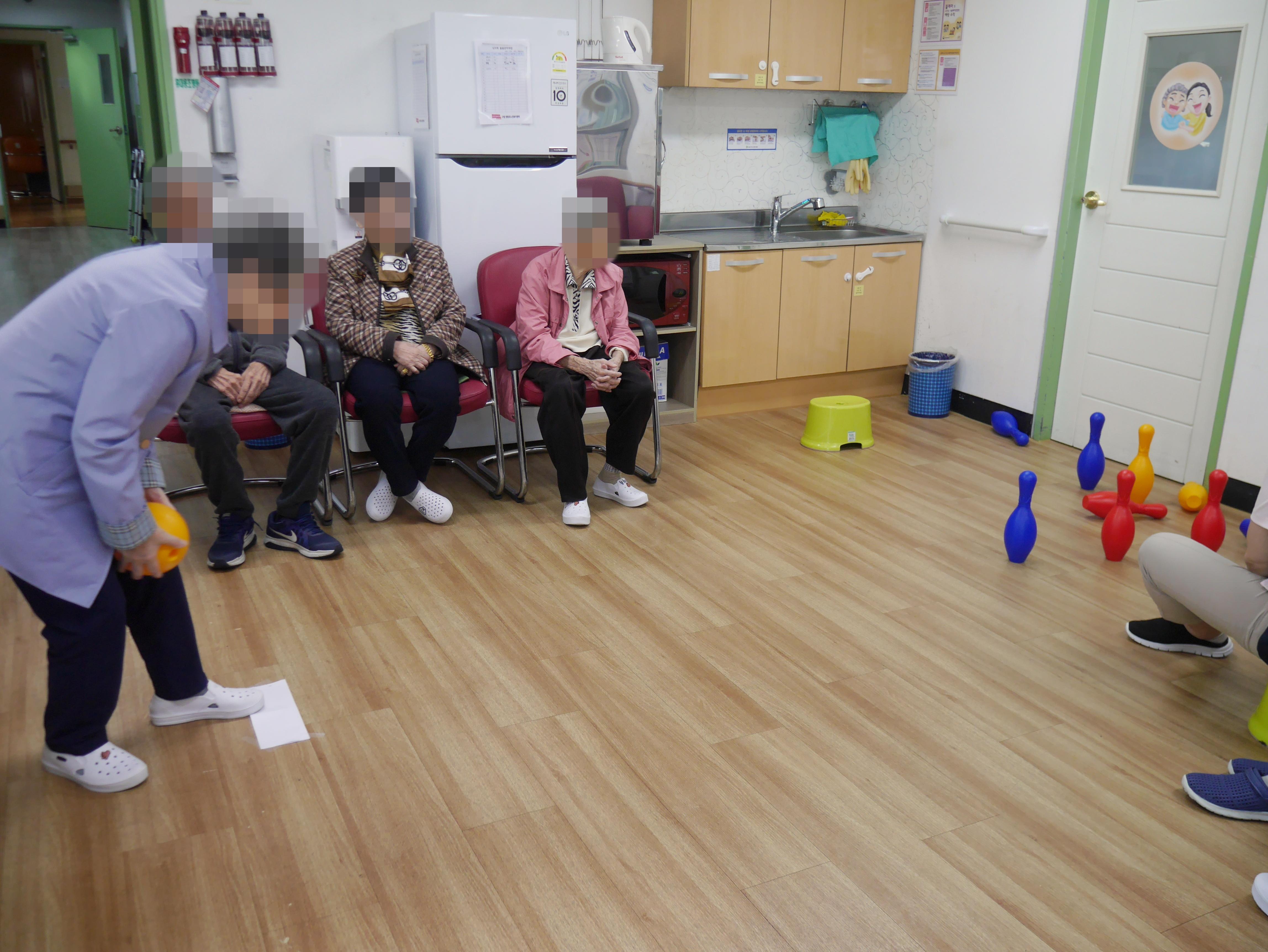 주야간보호센터 10월 감성치료-오후 프로그램 사진입니다.